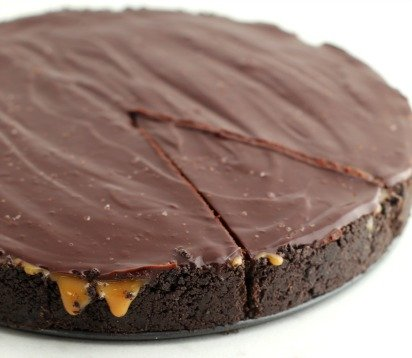 No Bake Salted Caramel Chocolate Pie
