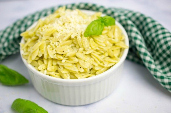 Lemon Basil Orzo Pasta Salad