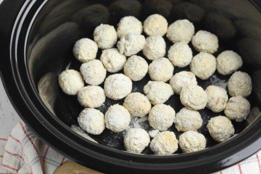 Crock Pot Cranberry Meatballs